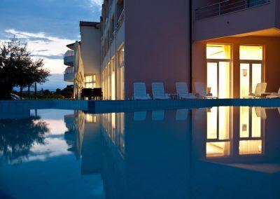Hefest bazeni Split noć 13