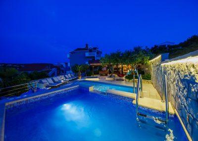 Hefest bazeni Split noć 28